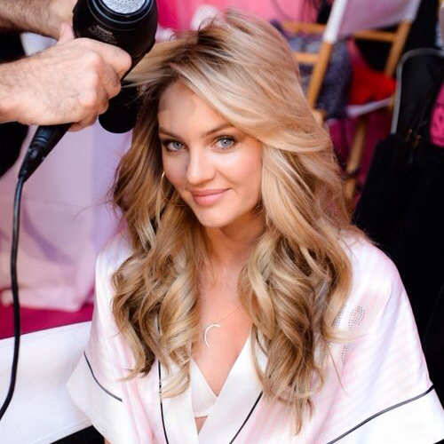 Μάθαμε επιτέλους πώς θα κρατάνε οι μπούκλες από τη hair expert - Shape.gr