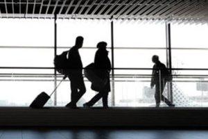 Πόσο κοστίζουν τα τεστ για τον κορονοϊό στα οποία θα υποβάλλονται οι τουρίστες