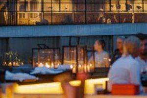 Point-a: Οι καλοκαιρινές βραδιές με θέα την Ακρόπολη επιστρέφουν