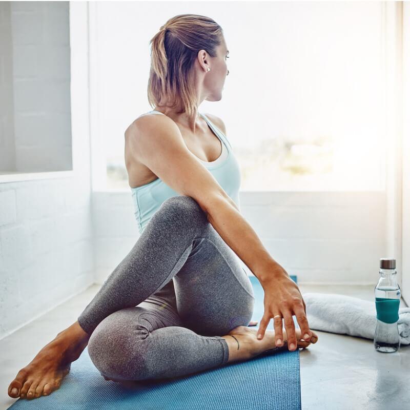Γιόγκα για απώλεια βάρους: Το 35λεπτο πρόγραμμα με vinyasa yoga - Shape.gr