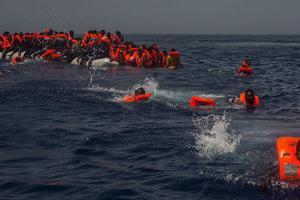 Ζεεχόφερ: «Όλοι είμαστε ενωμένοι για να αποτρέψουμε περισσότερους θανάτους στη Μεσόγειο»