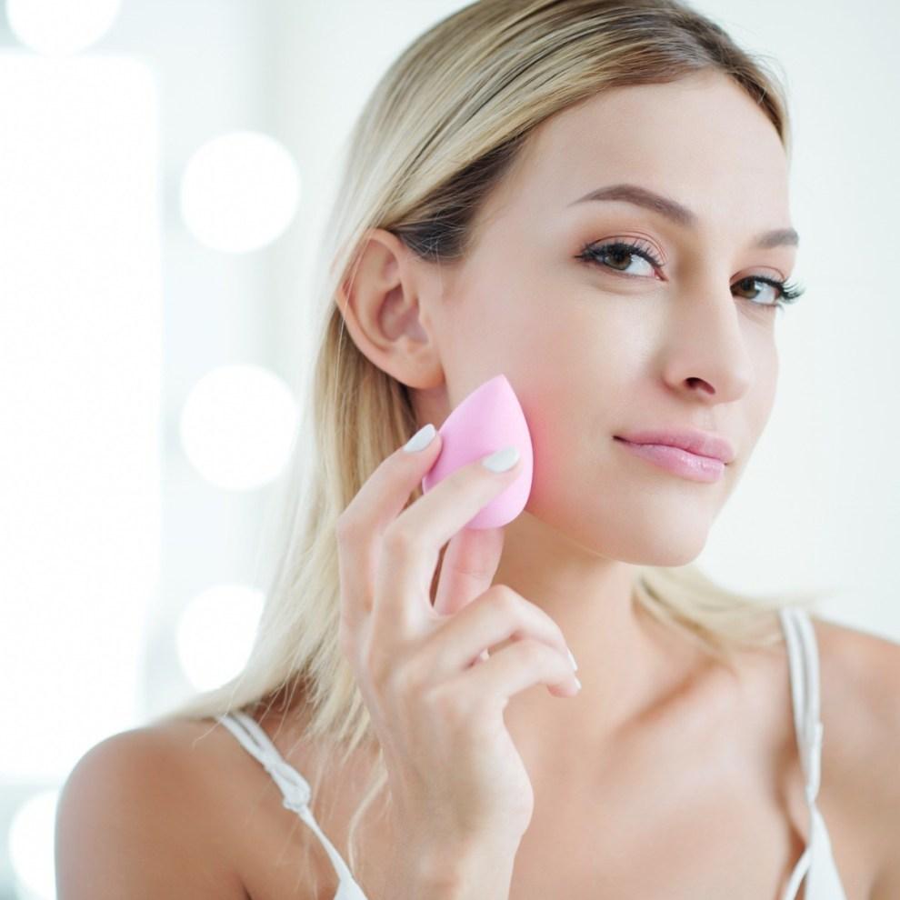 Beauty Blender | 5 εναλλακτικές χρήσεις του πιο διάσημου beauty σφουγγαριού - Shape.gr