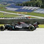 F1: Ξεκίνημα με 1-2 της Mercedes