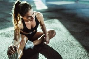 Θέλεις γραμμωμένα πόδια; Κάνε αυτές τις ασκήσεις για τετρακέφαλους στο σπίτι - Shape.gr