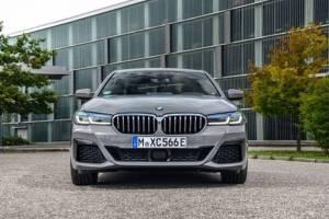 BMW 545e xDrive: Στην κορυφή της γκάμας των υβριδικών το 6κύλινδρο Sedan
