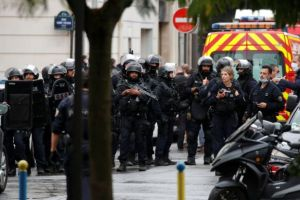 Άλλες πέντε συλλήψεις για την αιματηρή επίθεση στα παλιά γραφεία του Charlie Hebdo