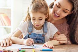 Ανοίγουν τα σχολεία: 10 συμβουλές οργάνωσης από την εκπαιδευτικό Μαριλένα Μίχα - Shape.gr