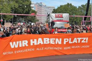 Γερμανία: Διαδηλώσεις για τους πρόσφυγες στην Ελλάδα
