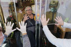 Κορωνοϊός: Μετατραυματικό στρες στους εργαζόμενους των οίκων ευγηρίας