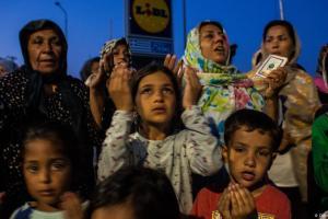 Οι πρόσφυγες δεν είναι απειλή αλλά πρόκληση για την ΕΕ | DW | 17.09.2020