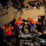 Σεισμός σε Σάμο – Σμύρνη : Αυξάνονται οι νεκροί στην Τουρκία – Δεκάδες οι μετασεισμοί
