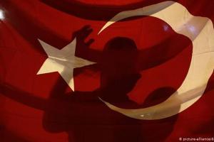 Το Βερολίνο επιβεβαιώνει δεσμούς Ερντογάν με ισλαμιστές
