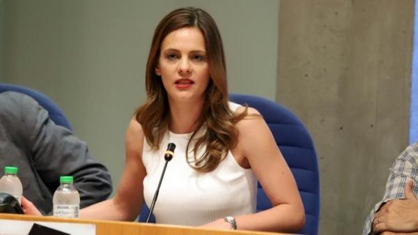 Αχτσιόγλου κατά Σταϊκούρα: Αδυνατεί να υπερασπιστεί τον προϋπολογισμό του