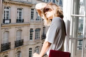 Πώς να βγαίνεις μόνη σου φωτογραφία στο Instagram χωρίς να αισθάνεσαι άβολα - Shape.gr