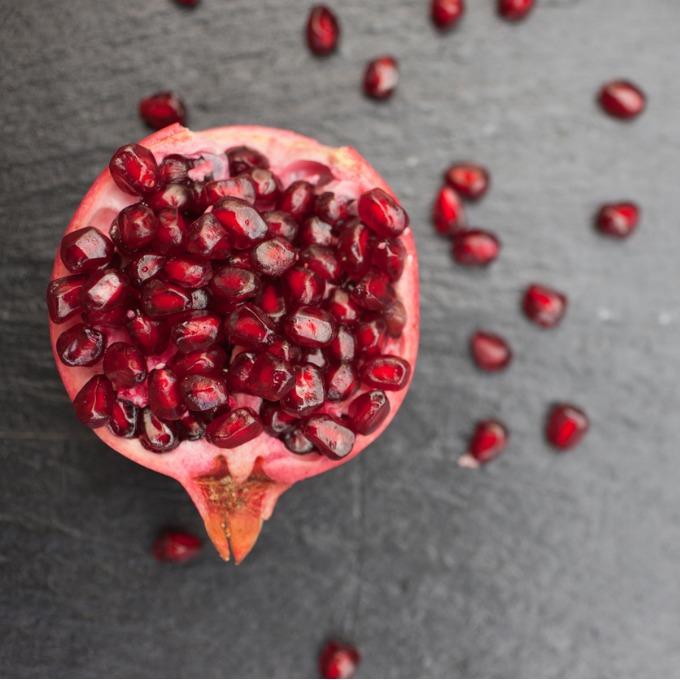 Πώς να φάω το ρόδι; 10 διαφορετικοί τρόποι για να το βάλεις στα γεύματά σου - Shape.gr