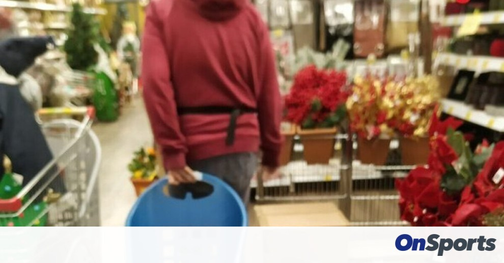 Σάλος στην Κατερίνη: Άνοιξαν τα καταστήματα και βάζουν κόσμο από την... πίσω πόρτα! (pics)