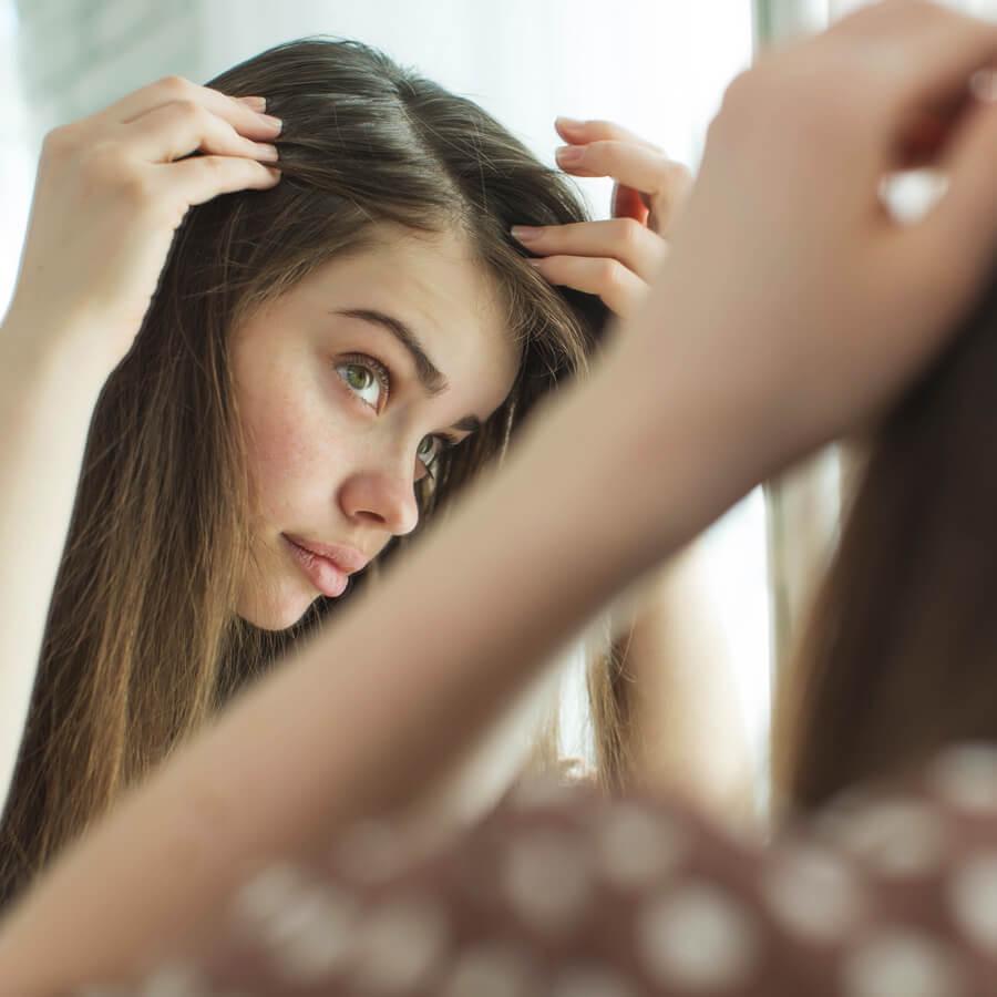 Αραίωση μαλλιών: Οι αιτίες και οι τρόποι αντιμετώπισης - Shape.gr