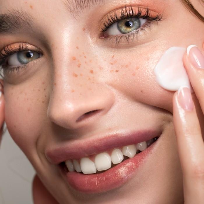 Τα 13 φυσικά συστατικά που φροντίζουν το δέρμα: Τι να επιλέξεις για την κρέμα προσώπου σου; - Shape.gr
