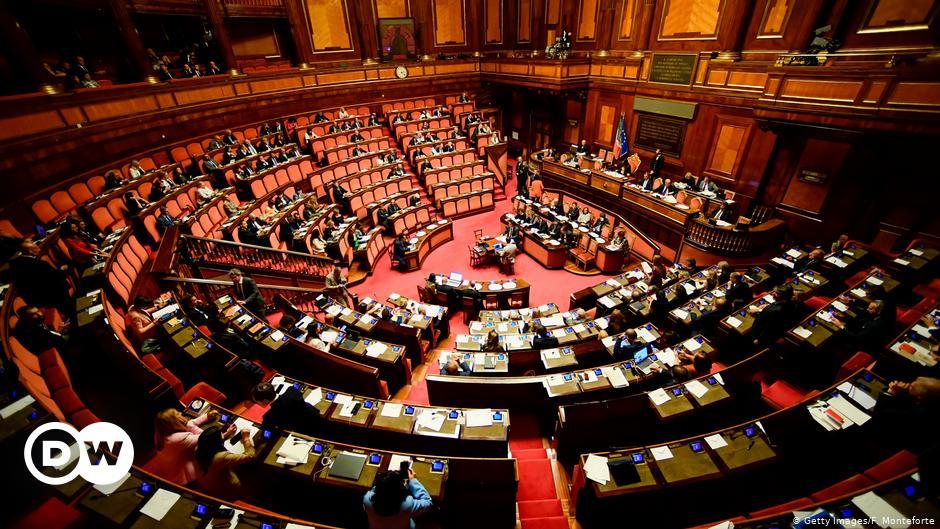Η επόμενη μέρα μετά τη διάλυση της ιταλικής κυβέρνησης   DW   14.01.2021