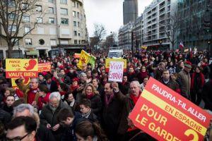 Κορωνοϊός – Ισπανία : Στο δρόμο χιλιάδες διαδηλωτές κατά των περιοριστικών μέτρων