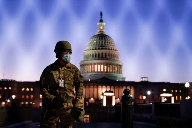 ΗΠΑ : Εντολή για βαρύ οπλισμό έλαβαν οι δυνάμεις της εθνοφρουράς