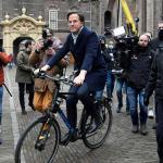 Τα επιδόματα παιδιού ρίχνουν την ολλανδική κυβέρνηση | DW | 15.01.2021
