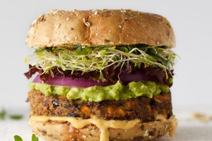 Tι είναι το #Veganuary και 20 συνταγές για να δοκιμάσεις φέτος το απόλυτο challenge του μήνα - Shape.gr