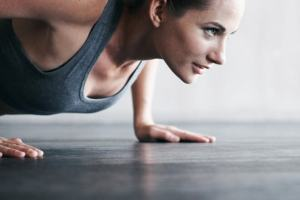 push ups fit woman