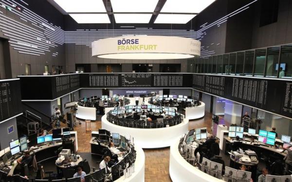Πέφτουν στο άνοιγμα οι ευρωαγορές