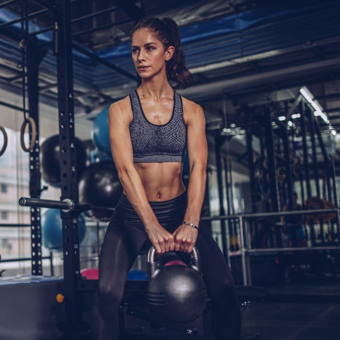 Πώς να έχεις σωστή στάση σώματος σε κάθε άσκηση (να το tip που μάθαμε από τον trainer) - Shape.gr