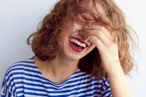 Πώς να είμαι ευτυχισμένη: 10 επιστημονικές συμβουλές για πραγματική ευτυχία - Shape.gr