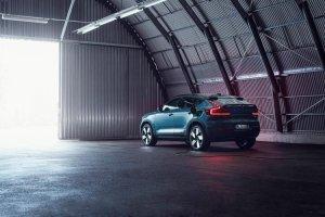 Volvo C40 Recharge: Ένα αμιγώς ηλεκτρικό «ήπιο» SUV