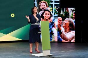 Γερμανία – εκλογές: Στην 40χρονη Αναλένα Μπέρμποκ το χρίσμα των Πρασίνων