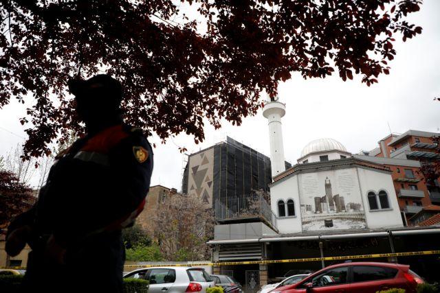 Τίρανα : Επίθεση με μαχαίρι μέσα σε τέμενος – Πέντε τραυματίες