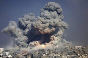 Μέση Ανατολή: Ο Μπάιντεν ζητά αποκλιμάκωση βίας, αλλά το Ισραήλ ετοιμάζει χερσαία επίθεση
