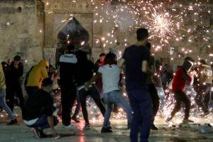 Ισραήλ: Συγκρούσεις Παλαιστίνιων πιστών με την αστυνομία – Πάνω από 180 τραυματίες