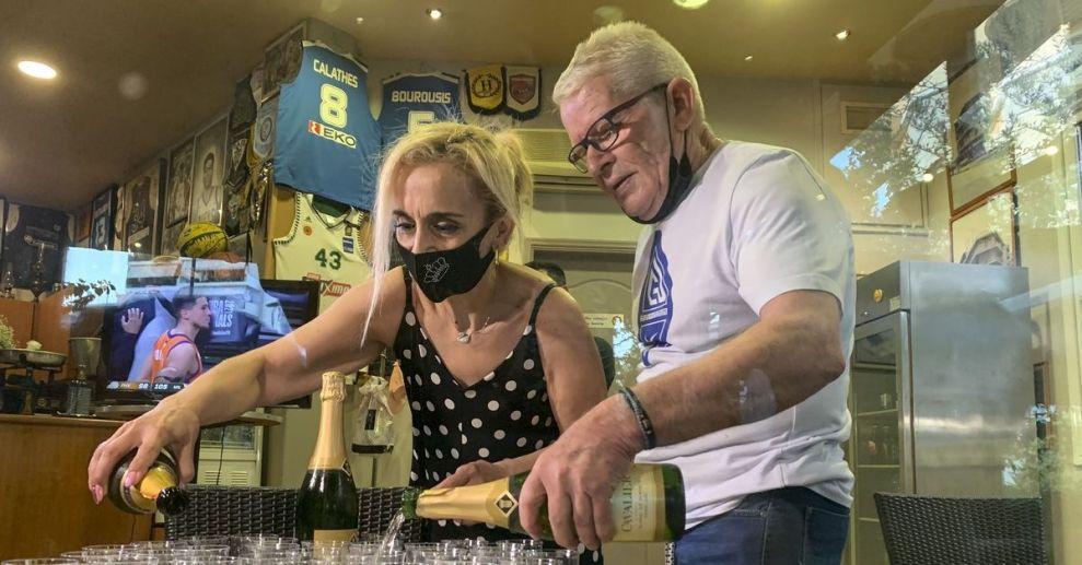 Γιάννης Αντετοκούνμπο: Άνοιξαν σαμπάνιες στα Σεπόλια για την κατάκτηση του πρωταθλήματος