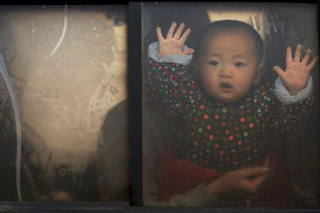 Κίνα: Τέλος στον περιορισμό παιδιών ανά οικογένεια