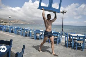 Focus: Ακυρώσεις στον ελληνικό τουρισμό λόγω μέτρων   DW   20.07.2021