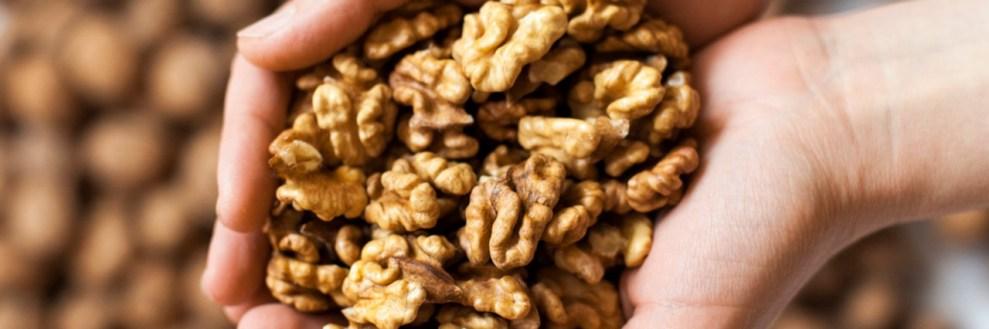 Έξι λόγοι για να καταναλώνεις καρύδια καθημερινά
