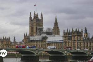Ανεβάζει τους τόνους το Λονδίνο στη συμφωνία AUKUS | DW | 19.09.2021