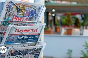 Η Άγκυρα στραγγαλίζει ξανά τα ΜΜΕ | DW | 18.10.2021