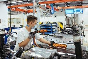 Η Volkswagen εξετάζει την περικοπή 30.000 θέσεων εργασίας