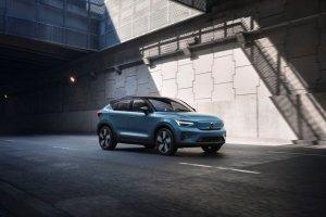 Κομψό και αμιγώς ηλεκτρικό το νέο Volvo C40 Recharge