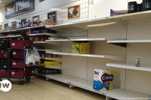 Νέα μέτρα στη Βρετανία κατά της εφοδιαστικής κρίσης | DW | 15.10.2021
