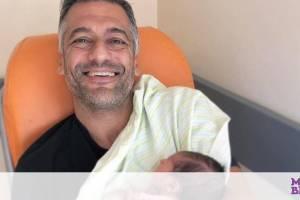 Στέλιος Κρητικός: Δείτε τη μπέμπα του στο κρεβάτι παρέα με τα αδέλφια της