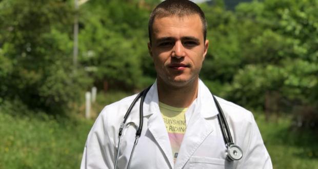 ЗА ПРИМЕР! Млад лекар обикаля безплатно селата