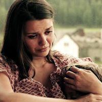 Млада майка беше изправена пред най-трудния избор в живота и избра детето ѝ да умре – правилно ли постъпих, пита се тя?