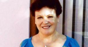 Лечителката Надя помага на болни и нещастни със заредена вода