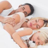 Колко часа сън са нужни на всяка възрастова група, за да се възстановява и презарежда тялото изцяло